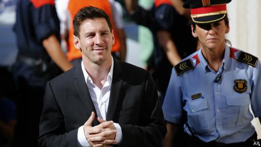 Messi llegando al tribunal
