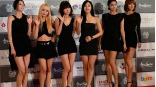 參加電影開幕式的韓國歌唱小組