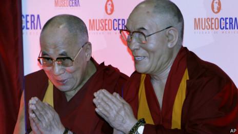 达赖喇嘛出席了为自己的蜡像揭幕的仪式(11/10/2013)