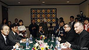 Pietro Parolin y Nguyen The Doanh