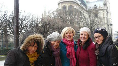 Helen Fawkes y sus amigas en París