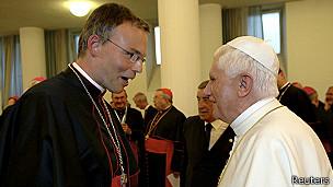 El obispo Franz-Peter Tebartz-van Elst y el papa Benedicto XVI