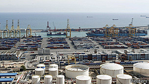 Terminal de carga del puerto de Barcelona