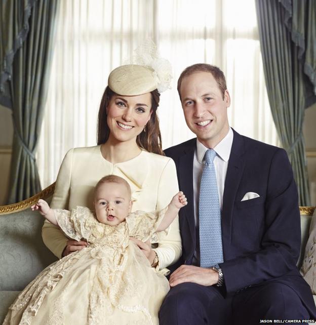 Los duques de Cambridge con el príncipe George