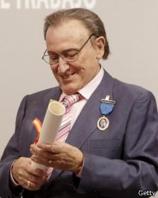 Manolo recibe la Medalla de Oro al Mérito al Trabajo