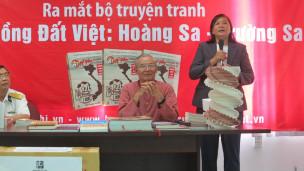 Bà Mỹ Hạnh và ông Nguyễn Nhã tại buổi ra mắt tập truyện