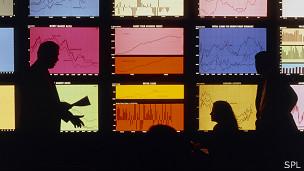 Analizando información económica