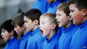 Niños en un coro