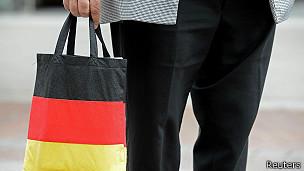 hombre con bolsa alemana