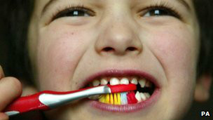 Kampanye gosok gigi hemat Rp90 miliar