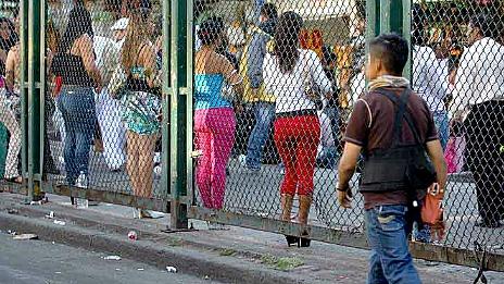 Trata de Mujeres. (Esclavitud sexual) en Mexico - Página 2 131111030821_trata_lamerced