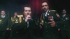 """Policía rusa canta """"Get Lucky"""""""