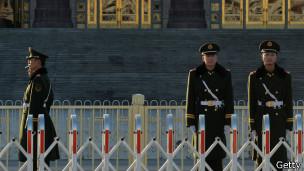 北京人民大会堂前的武警