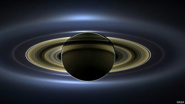ناسا تلتقط صورة فريدة لزحل