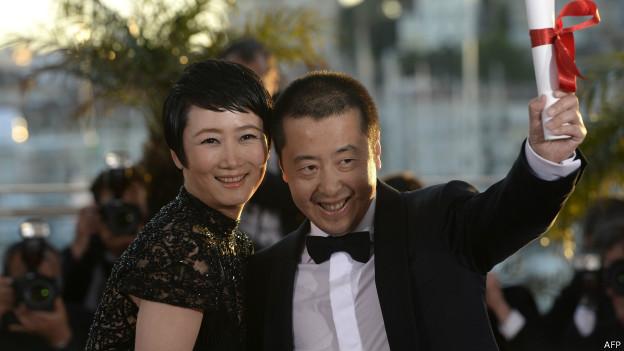 Китайский режиссер Цзя Жунцзе с женой