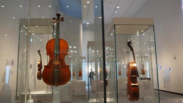 Выставка скрипок Страдивари в музее Ашмола