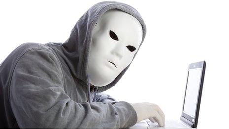 Las grandes empresas quieren escucharle y no para saber lo que opina, sino para combatir el fraude. La tecnología biométrica de voz, la grabación y el análisis de las impresiones vocales para la autentificación, es una de las últimas armas tecnológicas desplegadas en la guerra contra los que cometen fraude, un delito por el que cada año la economía británica pierde al menos 52.000 millones de libras (más de US$83.000 millones), según la Autoridad del Fraude Británica (NFA, por sus siglas en inglés). Se estima que sólo las compañías de servicios financieros británicas pierden cada año más de US$8.000 millones.