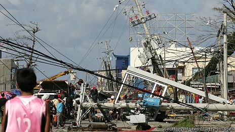 Cảnh tàn phá ở Tacloban