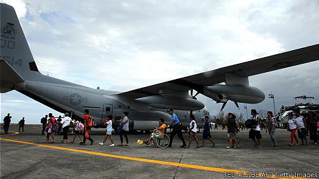 Quân đội Mỹ giúp cứu nạn ở Philippines