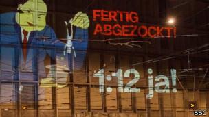 Campaña 1:12 de las Juventudes Socialistas suizas