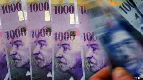 Suiza vota limitar el salario