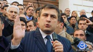 Михаил Саакашвили на выборах в ноябре 2003 года