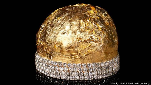 Foto do protótipo do panetone de ouro e diamantes (Divulgazione / Pasticceria del Borgo)