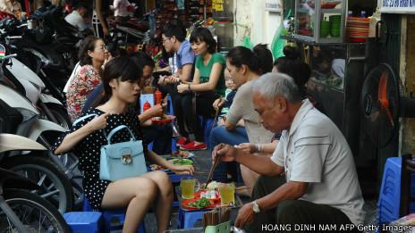 Người già ở Hà Nội