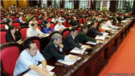 Quốc hội Việt Nam thông qua Hiến pháp