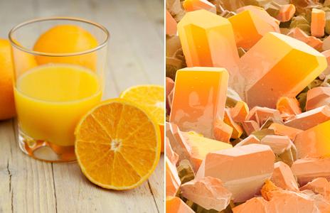 Jugo de naranja y cristales de E300