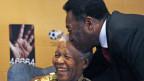 Pelé e Nelson Mandela / Crédito da foto: AFP