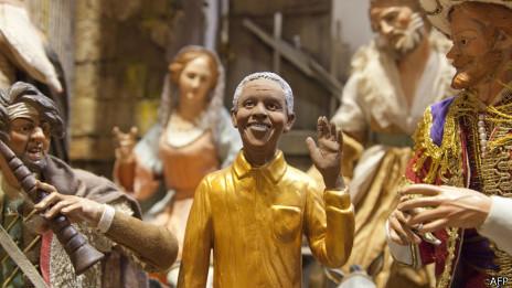 Figura de Mandela en una casa de pesebres napolitana