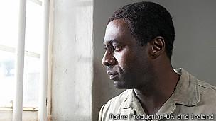 Idris Elba como Nelson Mandela