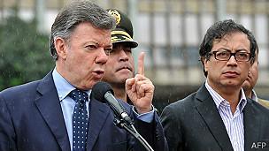 Juan Manuel Santos, presidente de Colombia, y Gustavo Petro