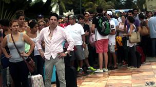 Turistas varados en Acapulco