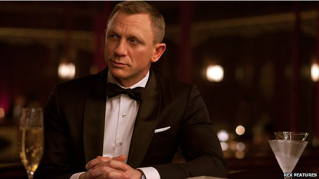 Actor Daniel Craig interpretando el papel de James Bond