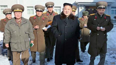 Kim Jong un đi thị sát