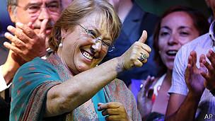 Michelle Bachelet celebrando el triunfo electoral