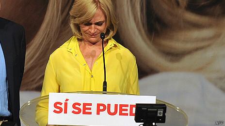 Evelyn Matthei durante su discurso de aceptación de la derrota
