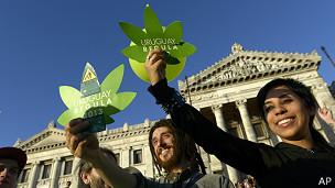 Manifestantes a favor de la marihuana