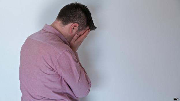 Homem com depressão | Crédito: BBC