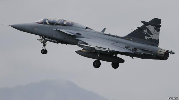 Caça sueco Gripen (foto: Reuters)
