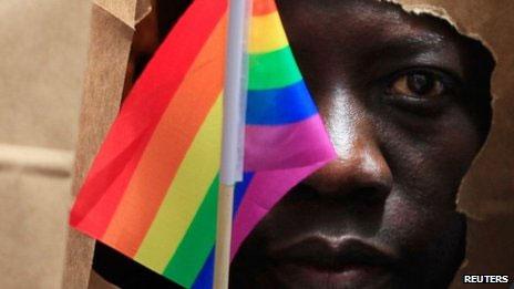 Ativista gay em Uganda (Reuters)