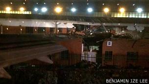 Avión se estrella contra edificio en el aeropuerto de Johannesburgo, Sudáfrica