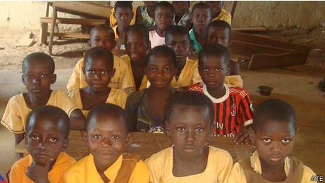 Escola em Gana vai receber material de instituição de ensino britânica desativada | Crédito: ATE