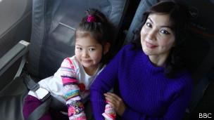 Альма Шалабаева с дочерью