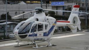Вертолет у больницы в Гренобле