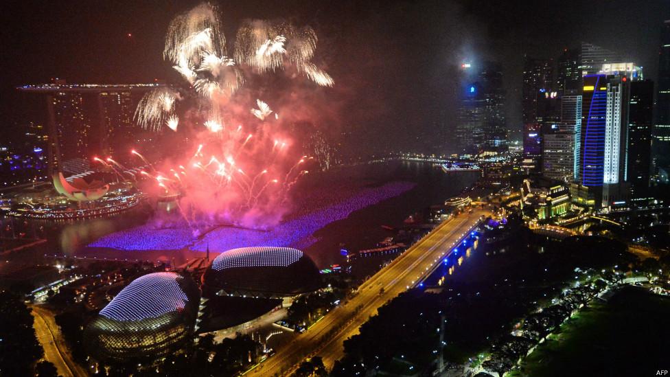 转载 世界各地的除夕迎新年庆祝活动(图) - 及时渔、及时语 - 及时渔的空间