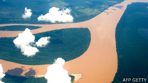 Nubes sobre el Río Amazonas