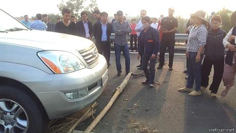 Người phản đối trên cao tốc Nội Bài - Lào Cai